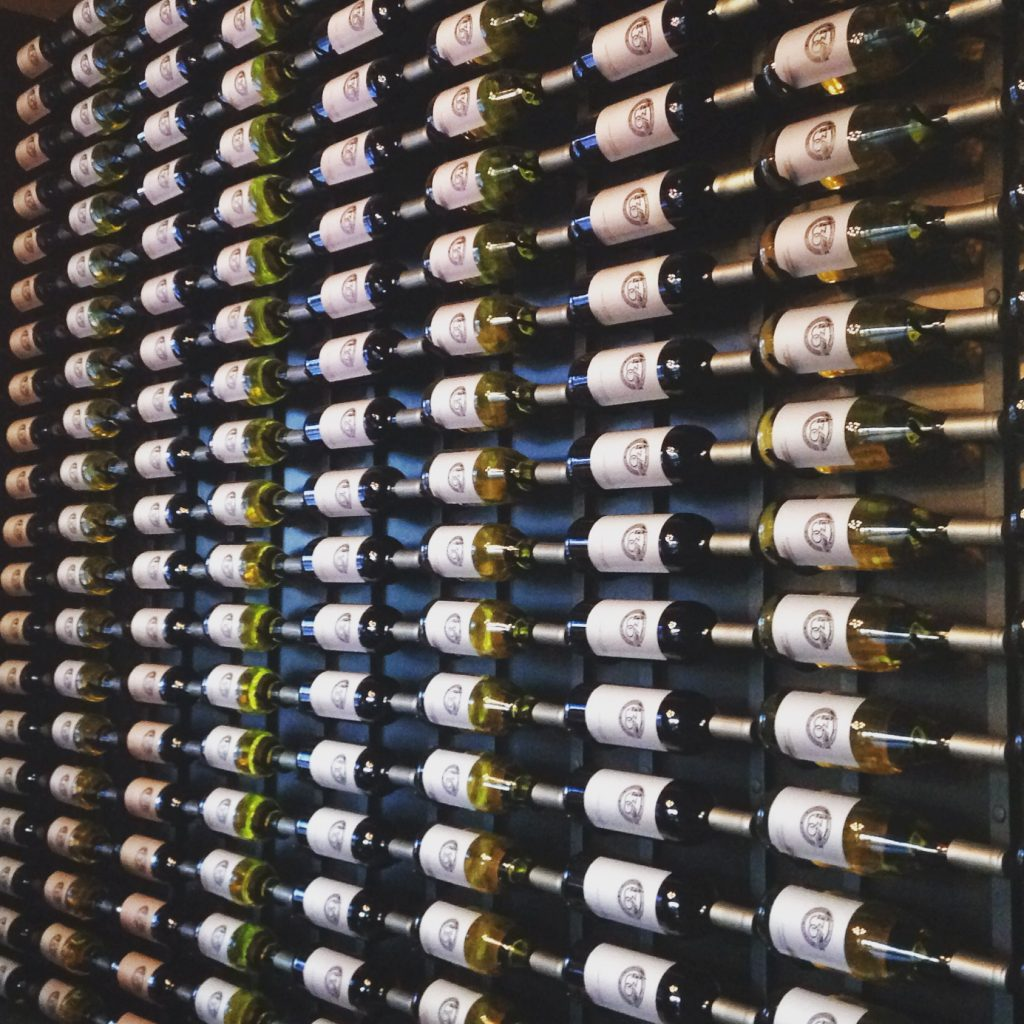 wine-wall-at-district-36